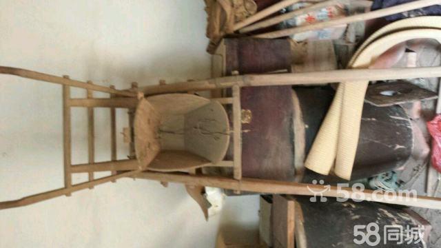 木头制品,30面前的木制品