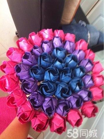 纯手工制作,纸折川崎玫瑰花束