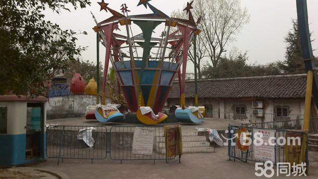 南宁动物园游乐场青蛙跳