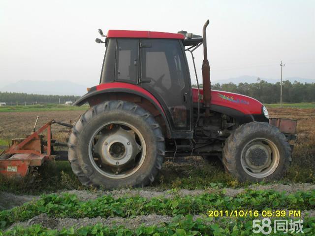 东方红904拖拉机 耙田 犁地 高清图片
