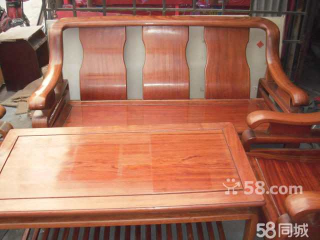 低价转让年年红名牌红木沙发一套