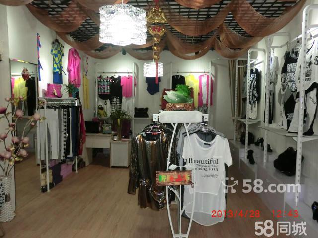 【图】服装店成套衣服展示架