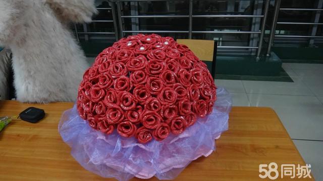 9百或上千元去花店买,2天以后就没法看了,这纸叠的不会凋落,不会调谢.