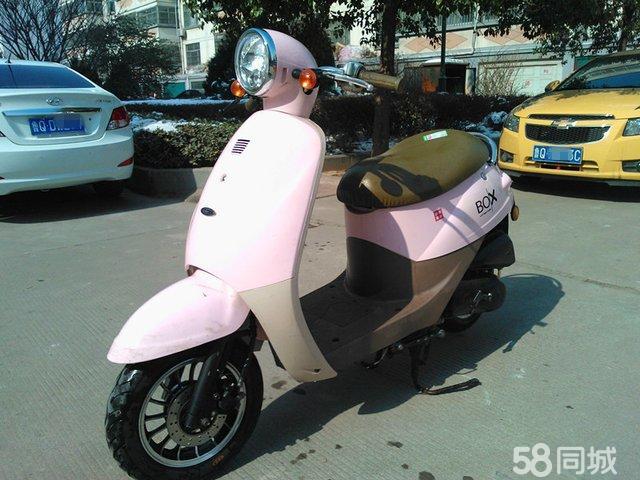 悠小乌龟助力踏板摩托车