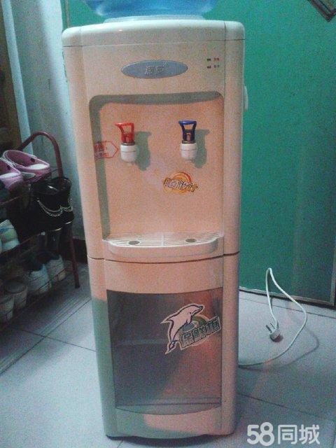 【图】深安饮水机转让(带两个水桶)