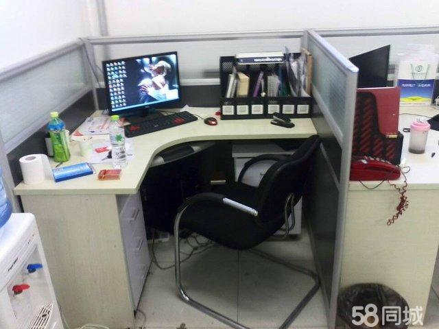【图】去年刚买的文员办公桌便宜出售-昌平沙化绍新超诱图片