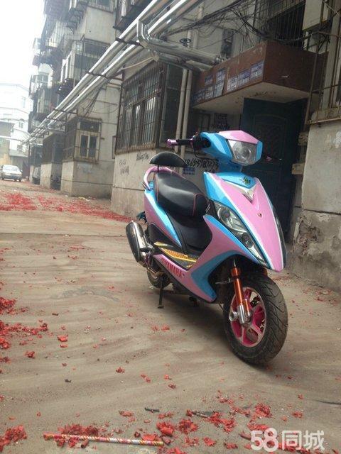 专业摩托车 车壳修复 改色烤漆