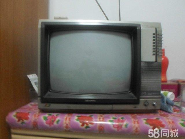 北京牌第一代彩色电视机北京model8303