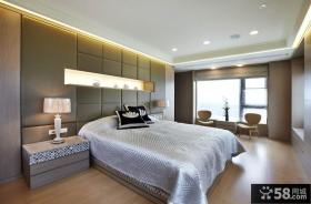 现代简约风格大户型卧室装修效果图