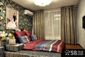 简约小户型婚房卧室榻榻米床效果图