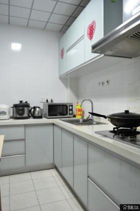 现代风格厨房白色橱柜装修效果图