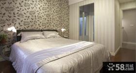 现代主卧室床头壁纸图片欣赏