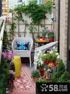 花园式客厅连阳台装修效果图