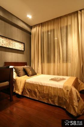家庭卧室窗帘装修效果图片