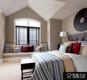 2013优质现代风格卧室飘窗装修效果图欣赏
