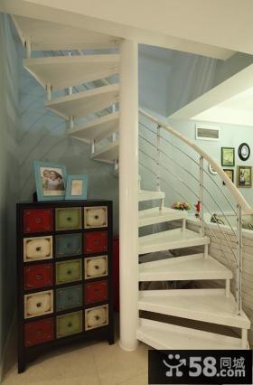美式现代复式家居楼梯设计效果图
