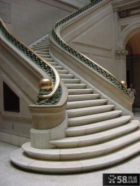豪华楼梯装修效果图