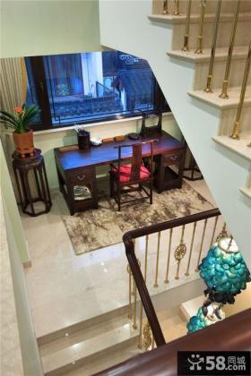 现代风格复式房屋楼梯间家具布置效果图