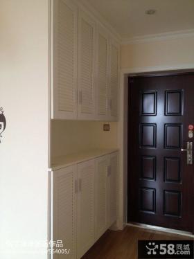 现代风格进门玄关壁柜装修效果图