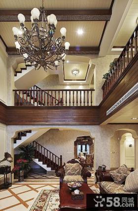 美式古典家居复式楼梯设计装修