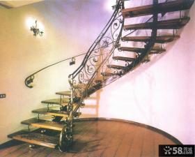 跃层铁艺旋转楼梯效果图