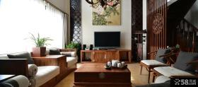 中式别墅客厅电视墙装饰画