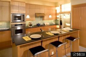 现代美式装修风格厨房整体橱柜装修效果图