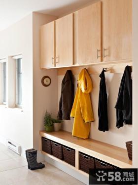 玄关鞋柜挂衣墙效果图