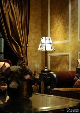 美式新古典风格客厅台灯效果图