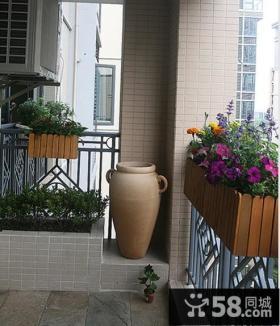 现代家庭小阳台装修效果图