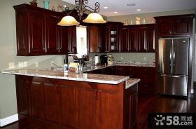 欧式古典风格U型厨房装修效果图