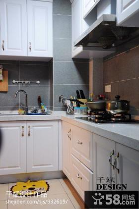 现代风格厨房橱柜设计