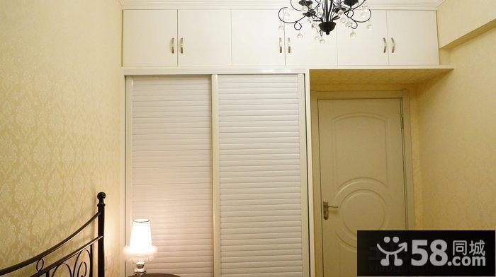简单小卧室衣柜装修效果图