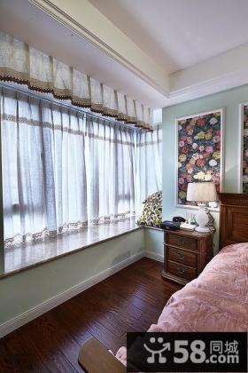 家居美式卧室飘窗图