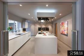白色橱柜厨房设计