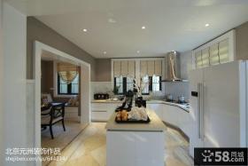 半开放式整体厨房吧台装修效果图欣赏