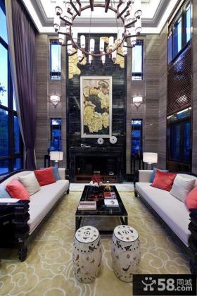 新中式风格家庭挑高客厅装修图欣赏