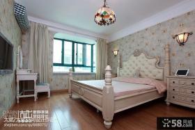 卧室壁纸窗帘装修效果图图片
