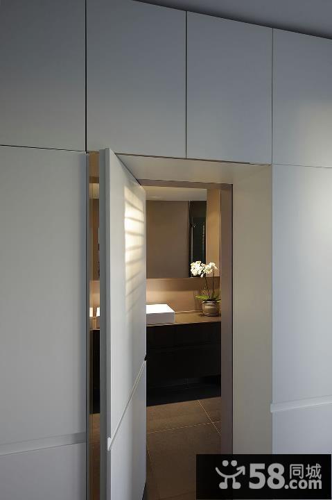 卫生间隐形门设计效果图