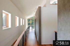 美式现代风格别墅过道设计图片