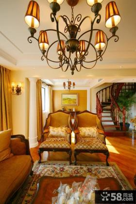 欧式新古典风格复式楼客厅灯具图片