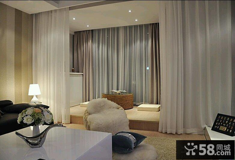 日式家居客厅大飘窗窗帘效果图片
