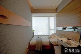 现代风格阳台卧室设计图