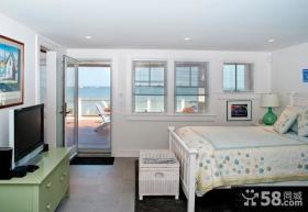 色彩明亮的美式风格装修效果图卧室图片
