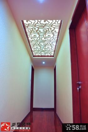 中式家庭室内过道吊顶装修图