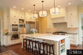 欧式简约开放式厨房吧台装修设计