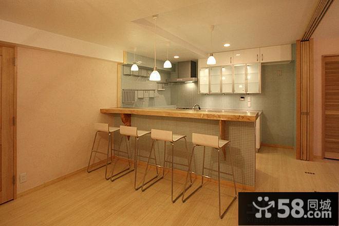 简约家居厨房实木吧台设计图片