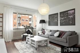 80平小户型装修案例灰白色调客厅