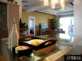 家庭餐厅客厅一体化设计装修效果图