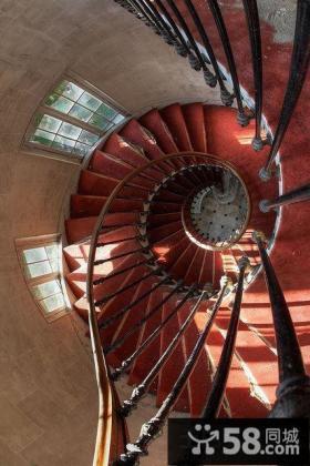 别墅旋转楼梯设计图大全